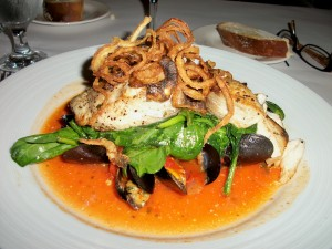 Mahi Mahi with Mussels en Brodo
