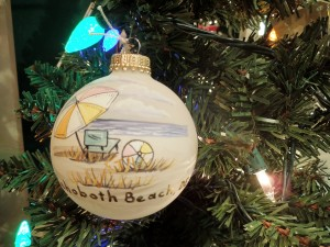 christmas spirit rehoboth beach delaware ocean city maryland christmas shop ornaments tree skirts lights garlands christmas parades holiday house